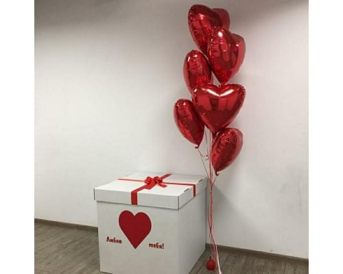 Коробка с букетом фольгированных сердец