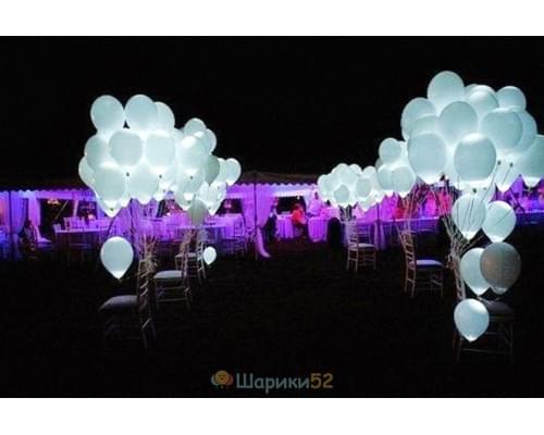 Светящиеся шарики белые 15 шт(постоянная подсветка)